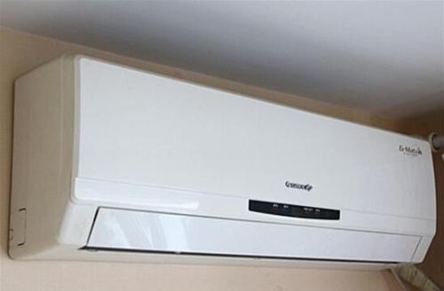 使用空调有很多安全隐患,空调安装不当会导致空调故障